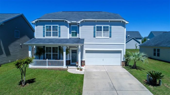 126 Roadster Row Summerville Contact Suzy Torres for a showing!